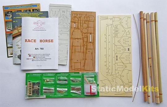 Obsah dřevěné stavebnice modelu lodi Race Horse